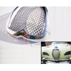 Grille chromée sur nez de Karmann-Ghia